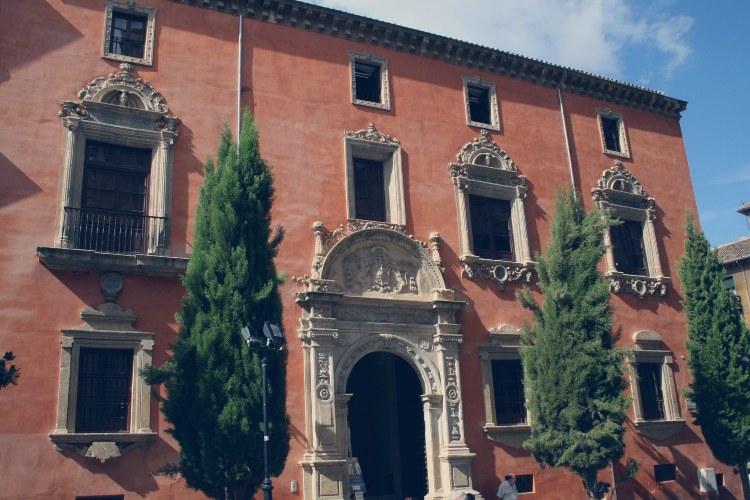 El Colegio Imperial Curia de Granada fachada