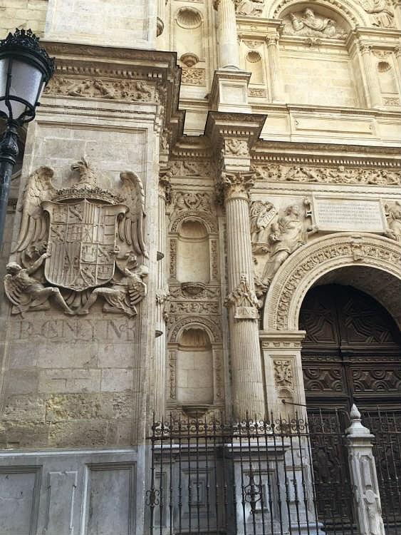 Puerta del Perdón de la Catedral de Granada.