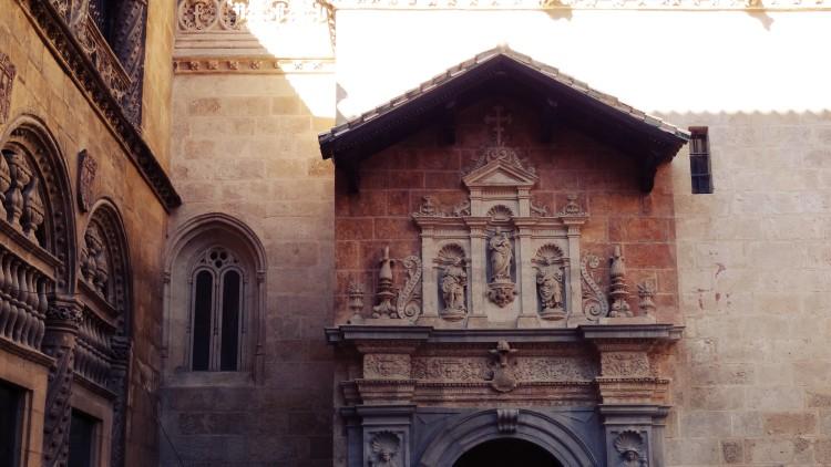 Portada exterior de la Capilla Real de Granada